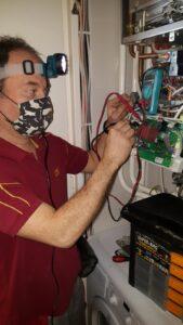 gázkazán vezérlőpanelének ellenőrzése, hibakeresése